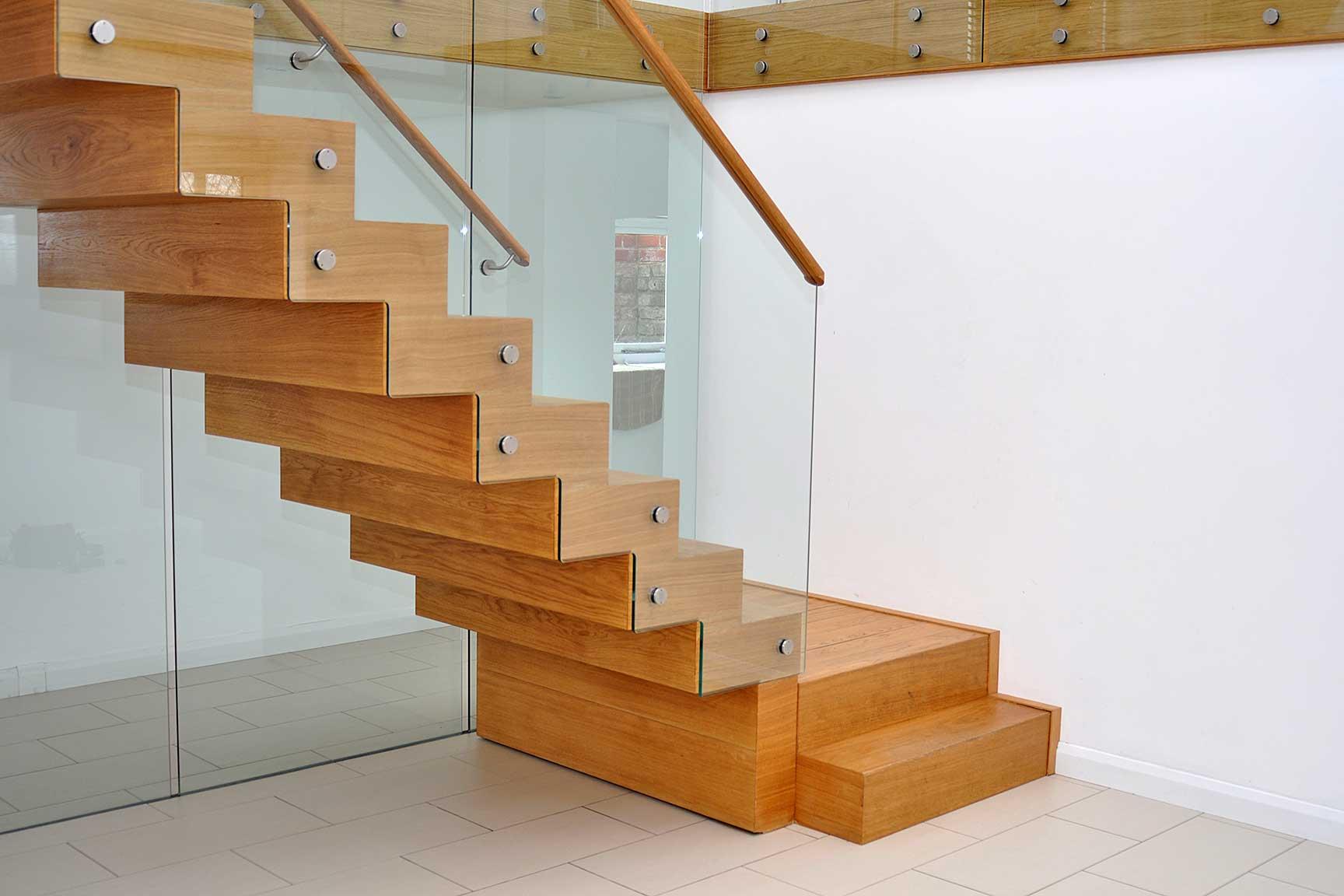 Какие бывают лестницы в доме. Все про лестницы